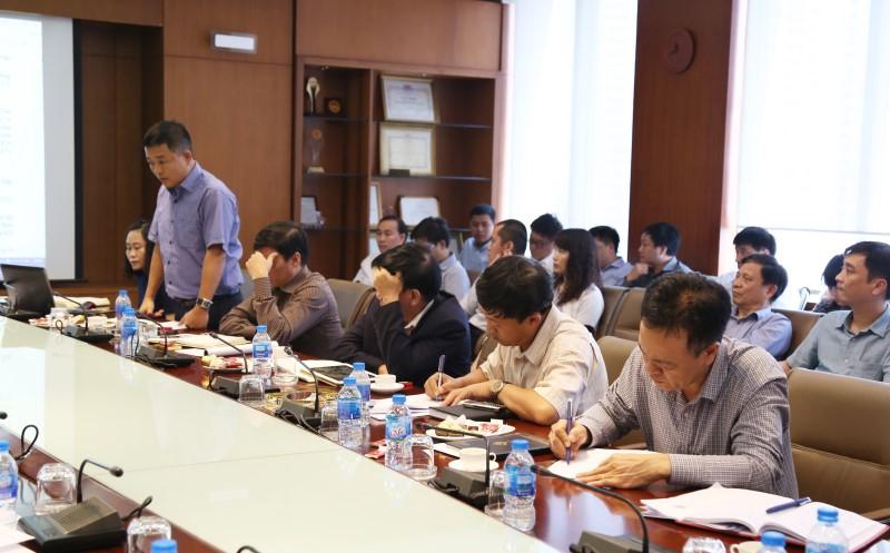 Ông Trần Anh Tuấn – Giám đốc BQL các dự án trọng điểm báo cáo về công tác phát triển dự án Đặc khu kinh tế Vimariel – Cuba trong buổi họp